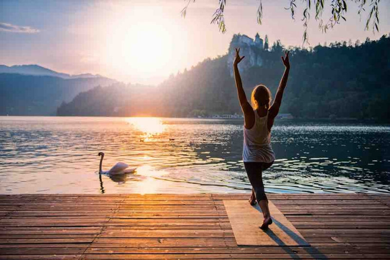 yoga-trieves-grenoble-vercors-surya-namaskar